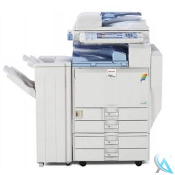 Ricoh Aficio MP C3000 gebrauchter Kopierer mit 4 Papierfächern auf Rollen mit Finisher SR790